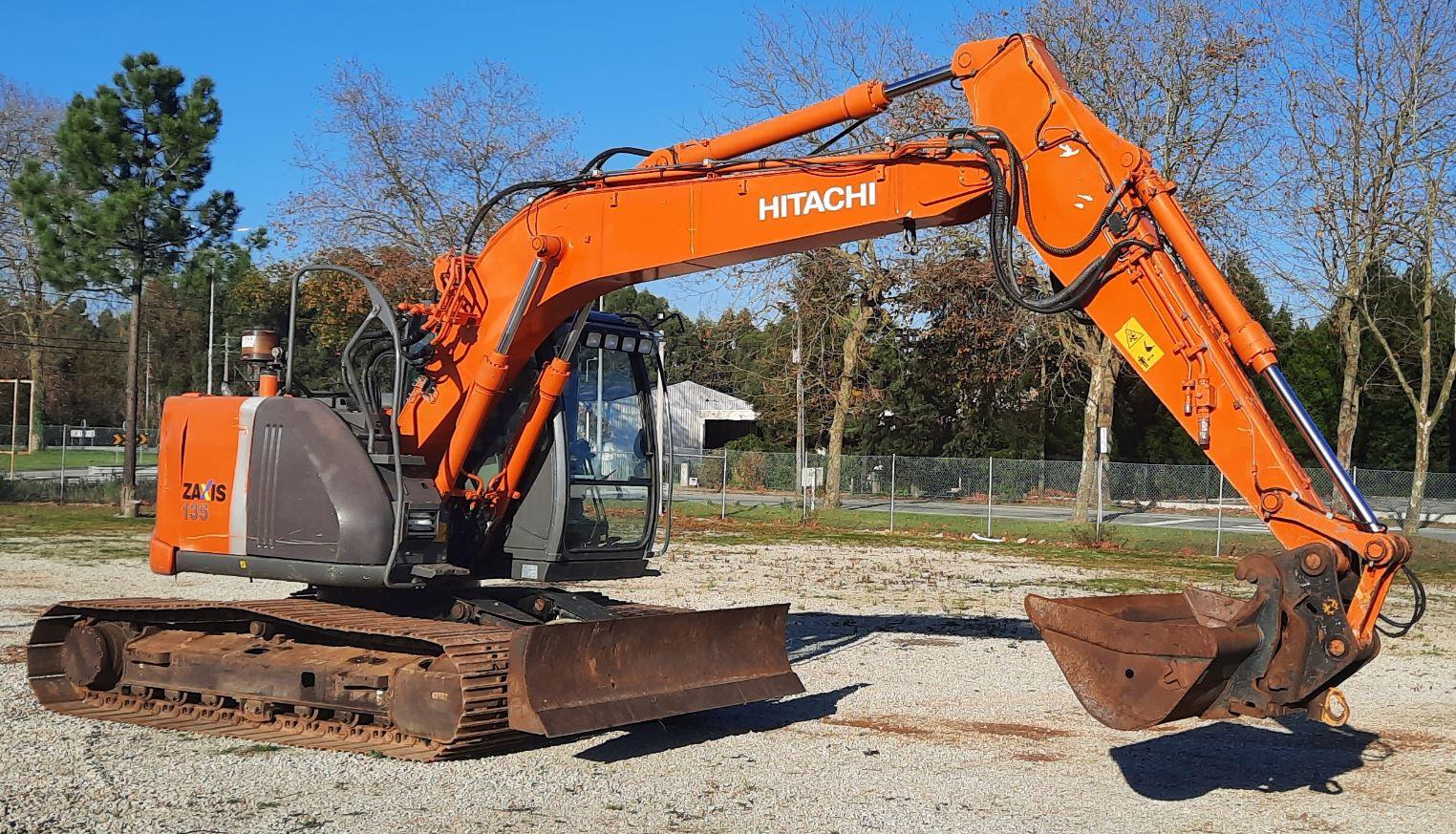Escavadora Hitachi ZAXIS 135